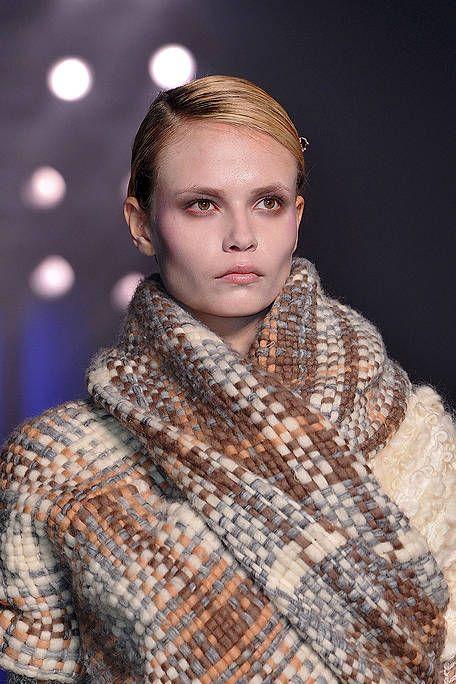 Lip, Eyebrow, Textile, Style, Eyelash, Pattern, Fashion show, Beauty, Fashion, Street fashion,