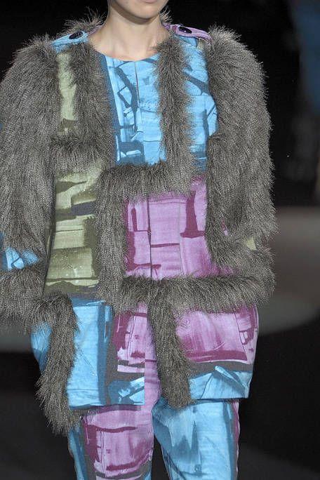Textile, Fur clothing, Winter, Magenta, Street fashion, Natural material, Fashion model, Fashion, Fashion show, Animal product,