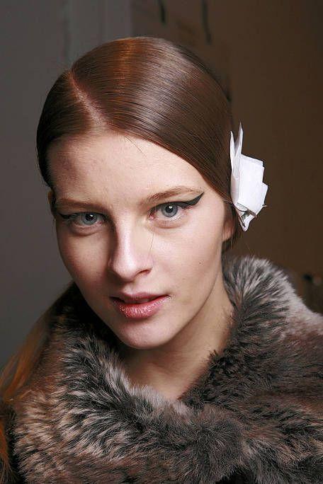 Lip, Skin, Eyebrow, Textile, Eyelash, Style, Iris, Beauty, Fashion, Fur clothing,