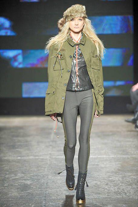 Footwear, Leg, Human body, Fashion show, Outerwear, Runway, Fashion model, Style, Knee, Street fashion,