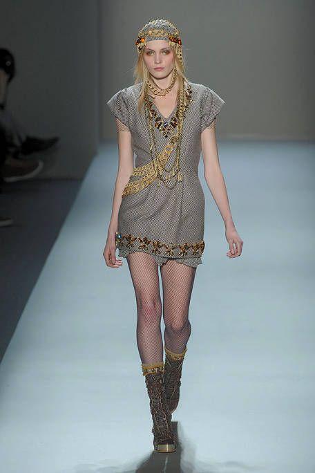 Leg, Fashion show, Skin, Shoulder, Runway, Joint, Fashion model, Style, Fashion, Waist,