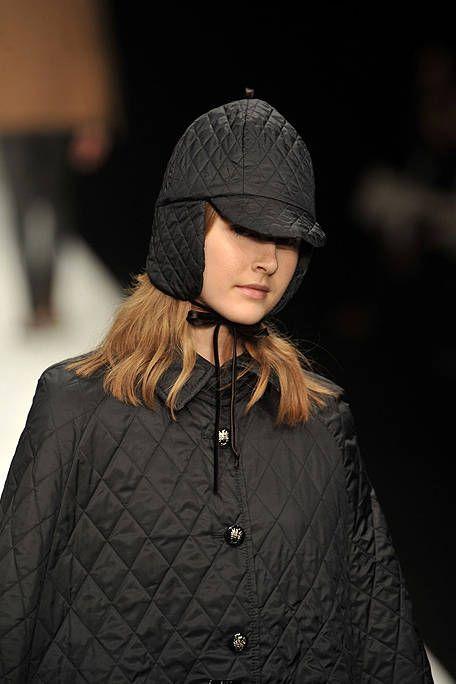 Clothing, Sleeve, Jacket, Textile, Outerwear, Winter, Collar, Street fashion, Headgear, Fashion,
