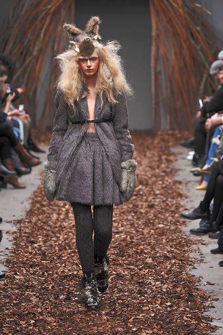 Leg, Brown, Textile, Winter, Outerwear, Style, Street fashion, Jacket, Fashion, Natural material,