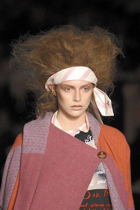 Forehead, Headgear, Costume accessory, Temple, Bottle, Street fashion, Costume, Portrait photography, Water bottle, Portrait,