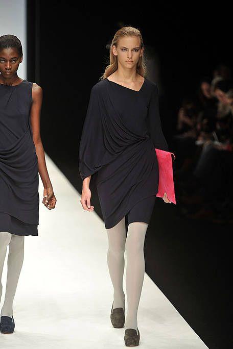 Clothing, Leg, Dress, Sleeve, Human body, Shoulder, Human leg, Fashion show, Joint, Waist,