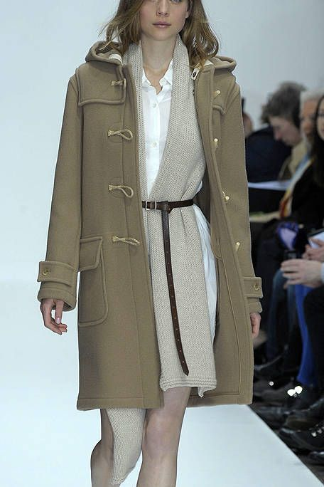 Clothing, Leg, Sleeve, Coat, Shoulder, Textile, Joint, Outerwear, Collar, Overcoat,
