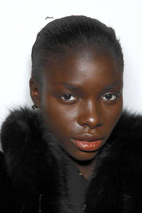 Lip, Hairstyle, Skin, Forehead, Eyebrow, Eyelash, Black hair, Style, Fashion, Beauty,