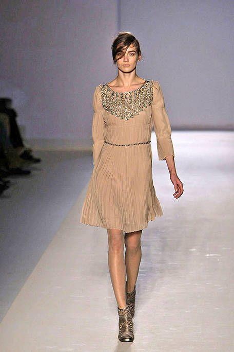 Clothing, Brown, Shoulder, Fashion show, Human leg, Dress, Joint, Style, Waist, Runway,