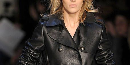 Clothing, Sleeve, Textile, Outerwear, Jacket, Style, Street fashion, Leather, Fashion, Fashion model,