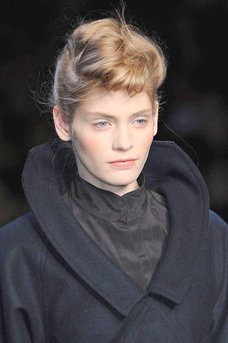 Face, Ear, Lip, Mouth, Hairstyle, Forehead, Eyebrow, Collar, Style, Eyelash,