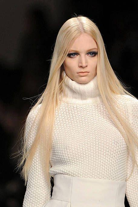 Lip, Sleeve, Skin, Textile, Joint, White, Style, Fashion model, Eyelash, Beauty,