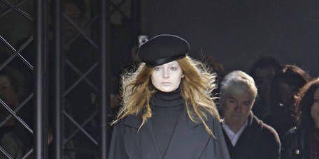 Fashion show, Winter, Outerwear, Hat, Runway, Style, Fashion model, Street fashion, Knee, Headgear,