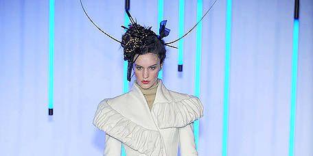Fashion accessory, Fashion, Electric blue, Knee, Headpiece, Costume accessory, Fashion model, Fashion design, Costume design, Ankle,