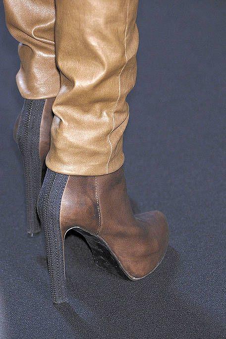 Brown, Textile, Tan, Leather, Fashion, Khaki, Beige, Satin, Dress shoe, Liver,