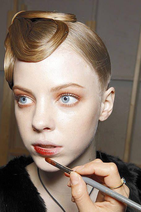 Lip, Finger, Hairstyle, Skin, Forehead, Eyebrow, Eyelash, Style, Organ, Beauty,