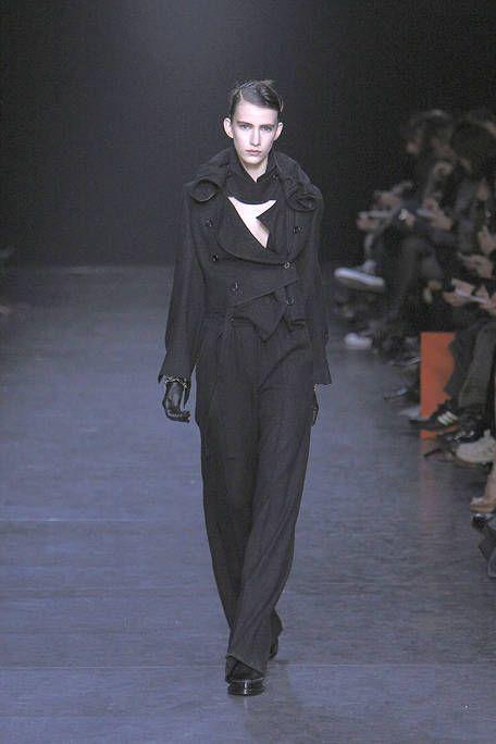 Fashion show, Outerwear, Runway, Winter, Style, Formal wear, Fashion model, Fashion, Jacket, Blazer,