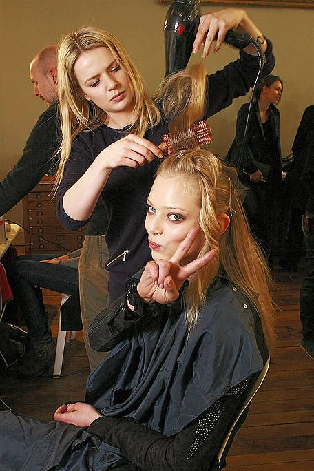 Hairstyle, Beauty salon, Hairdresser, Long hair, Blond, Hair coloring, Step cutting, Makeover, Brown hair, Hair care,