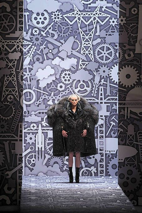 Human, Pattern, Textile, Outerwear, Winter, Style, Coat, Boot, Street fashion, Jacket,
