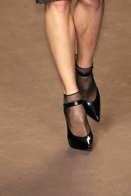 Human leg, Joint, Fashion, Foot, High heels, Thigh, Leather, Tan, Calf, Ankle,