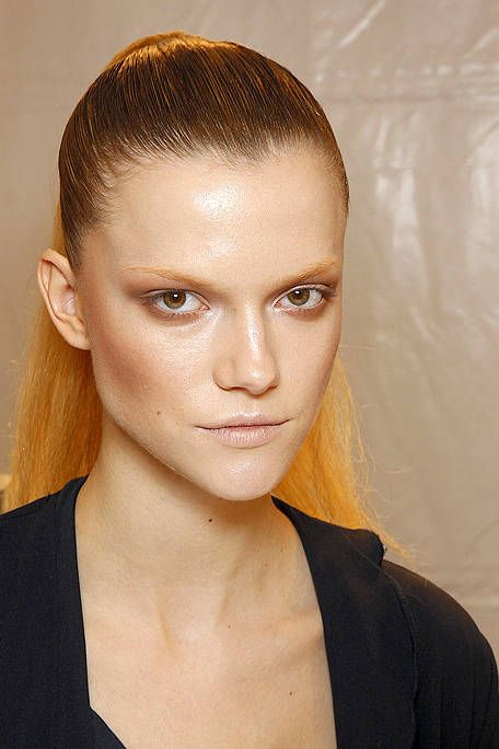 Ear, Lip, Cheek, Brown, Hairstyle, Skin, Chin, Forehead, Shoulder, Eyelash,