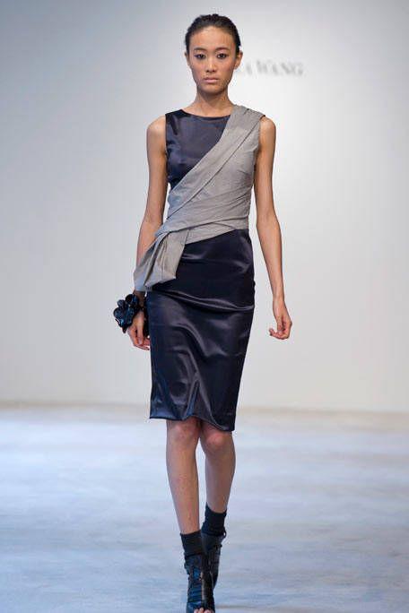 Clothing, Human body, Human leg, Shoulder, Fashion show, Joint, Waist, Fashion model, Style, Knee,