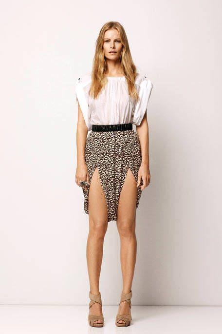Brown, Sleeve, Human leg, Shoulder, Joint, Style, Knee, Waist, Fashion model, Fashion,