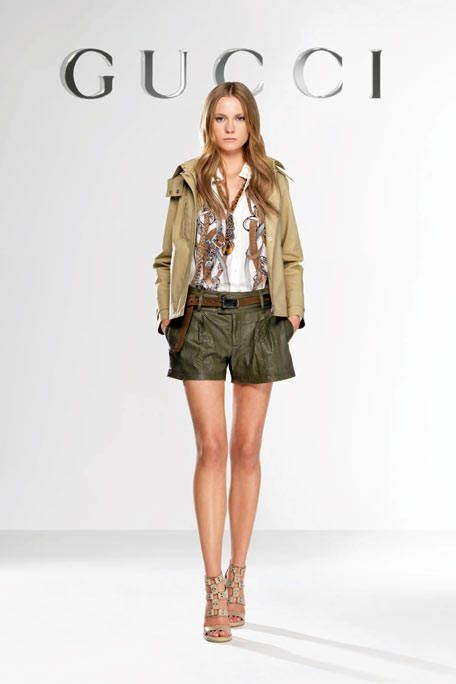 Clothing, Brown, Sleeve, Human body, Human leg, Shoulder, Joint, Outerwear, Khaki, Fashion model,