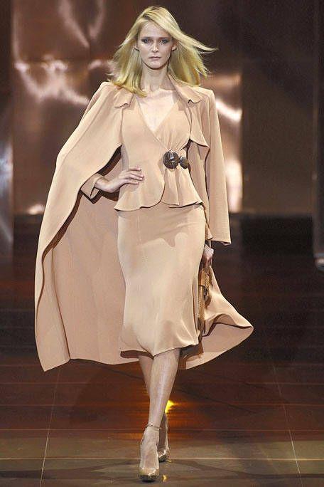 Fashion show, Fashion model, High heels, Costume design, Style, Dress, Runway, Fashion, One-piece garment, Haute couture,
