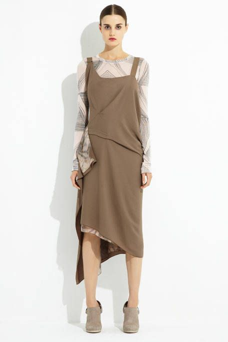Brown, Sleeve, Human leg, Shoulder, Textile, Dress, Joint, Standing, White, Style,
