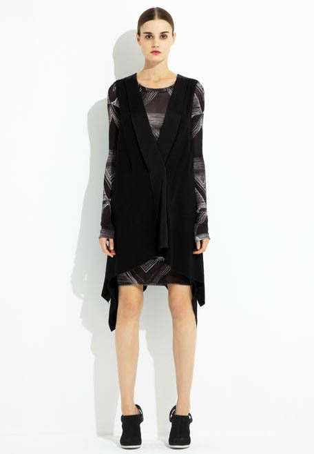 Clothing, Sleeve, Shoulder, Textile, Joint, Fashion model, Style, Knee, Fashion, Neck,
