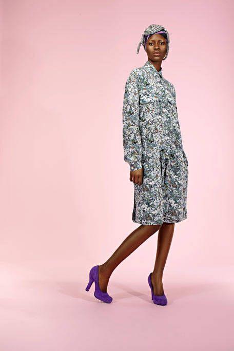Clothing, Sleeve, Human body, Shoulder, Human leg, Joint, Style, Knee, Fashion, Dress,