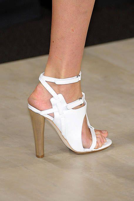 Footwear, Shoe, High heels, Human leg, Joint, Sandal, Tan, Fashion, Foot, Basic pump,