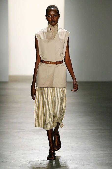 Brown, Human body, Shoulder, Joint, Style, Khaki, Waist, Fashion accessory, Fashion, Neck,
