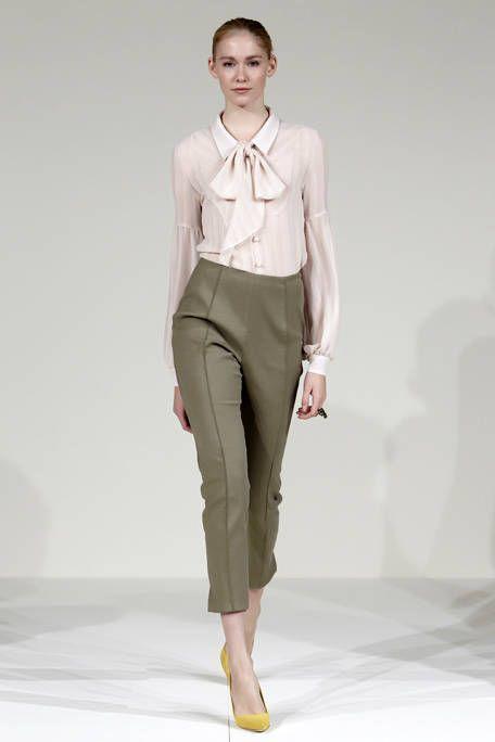 Collar, Sleeve, Shoulder, Fashion show, Joint, Outerwear, Waist, Style, Dress shirt, Fashion model,