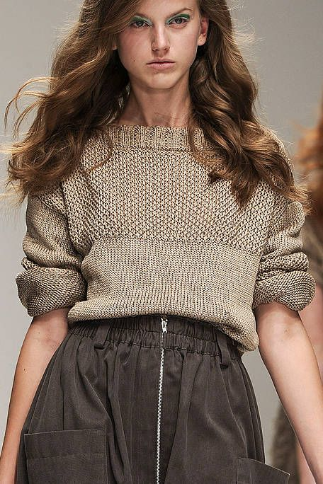 Lip, Hairstyle, Sleeve, Shoulder, Textile, Fashion model, Style, Waist, Fashion show, Beauty,