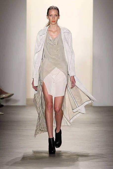Sleeve, Fashion show, Shoulder, Joint, Human leg, Runway, Style, Fashion model, Knee, Costume design,