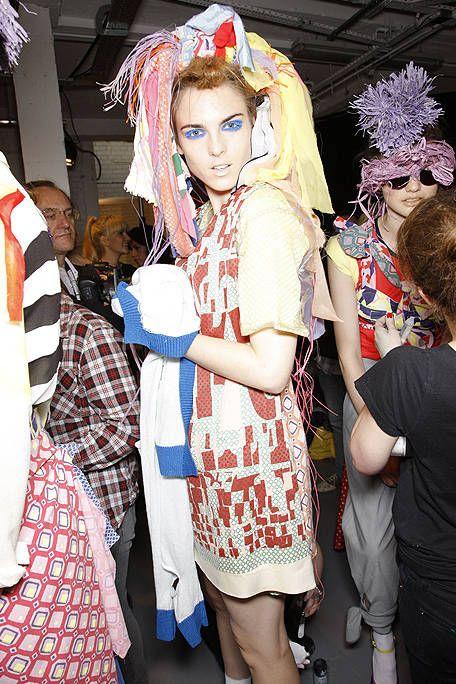 Headgear, Fashion accessory, Hair accessory, Costume accessory, Fashion, Costume, Headpiece, Flag, Costume design, Makeover,