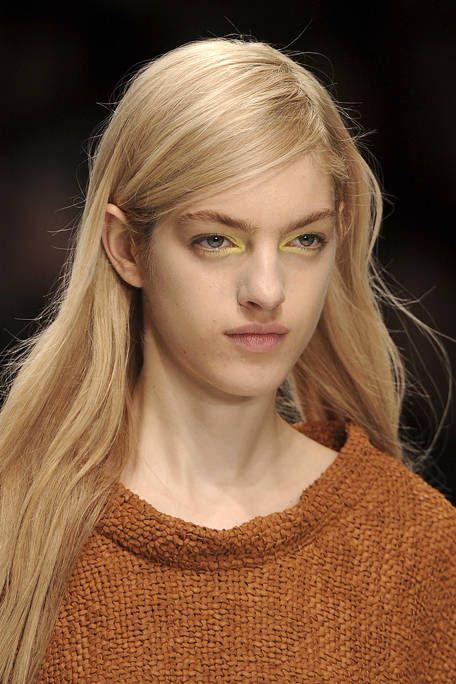 Lip, Hairstyle, Chin, Forehead, Eyebrow, Eyelash, Style, Beauty, Blond, Iris,