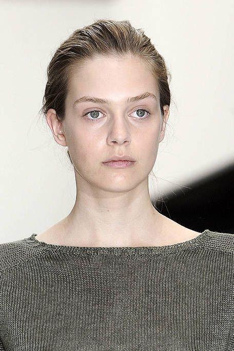 Head, Ear, Lip, Hairstyle, Chin, Forehead, Shoulder, Eyebrow, Eyelash, Style,