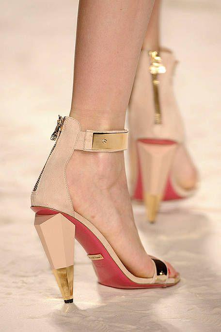 Footwear, High heels, Shoe, Joint, Sandal, Style, Foot, Fashion accessory, Basic pump, Fashion,