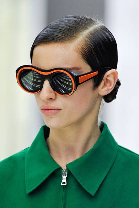 Clothing, Eyewear, Vision care, Goggles, Collar, Green, Chin, Red, Sunglasses, Style,