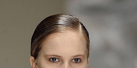 Ear, Lip, Skin, Shoulder, Eyebrow, Eyelash, Jaw, Beauty, Neck, Model,