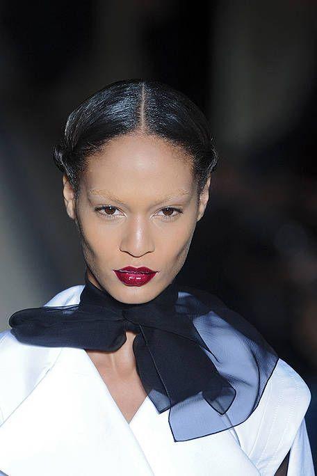 Lip, Forehead, Eyebrow, Collar, Black hair, Eyelash, Fashion, Lipstick, Earrings, Costume,