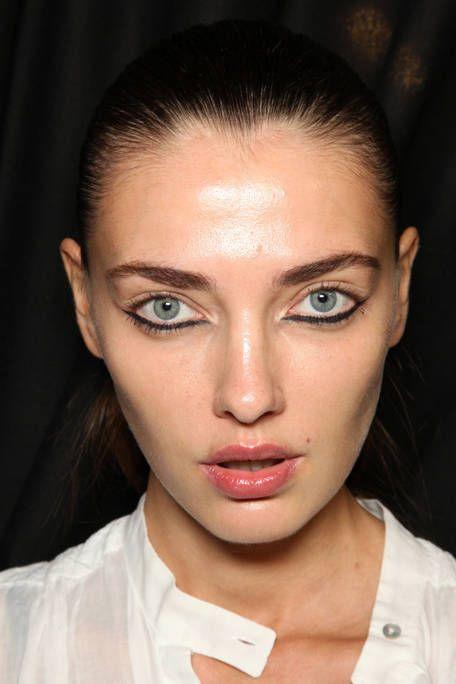 Mouth, Lip, Cheek, Hairstyle, Skin, Chin, Forehead, Eyelash, Eyebrow, Collar,