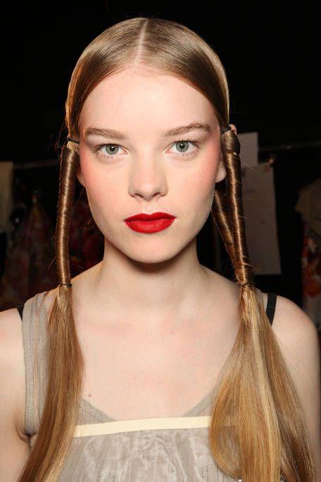 Hair, Lip, Hairstyle, Skin, Chin, Eyebrow, Eyelash, Style, Beauty, Fashion,