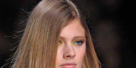 Hair, Head, Lip, Hairstyle, Style, Beauty, Fashion model, Eyelash, Long hair, Fashion,