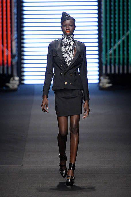 Sleeve, Hat, Human body, Joint, Style, Collar, Fashion model, Knee, Street fashion, Fashion,
