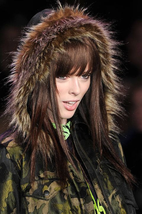 ANNA SUI FALL 2011 RTW BEAUTY 003