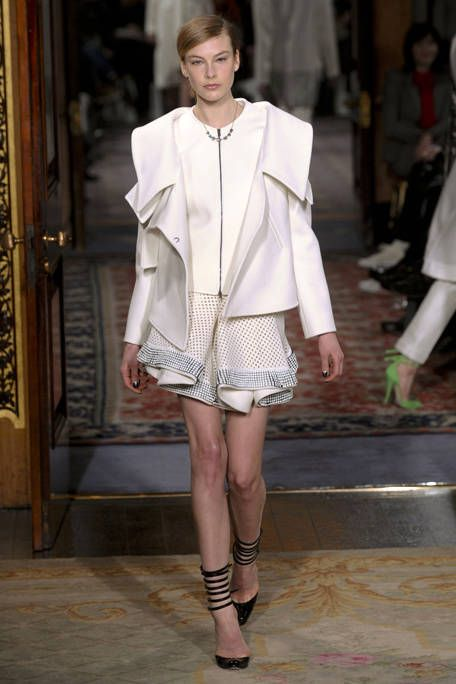 ANTONIO BERARDI FALL RTW 2011 PODIUM 002