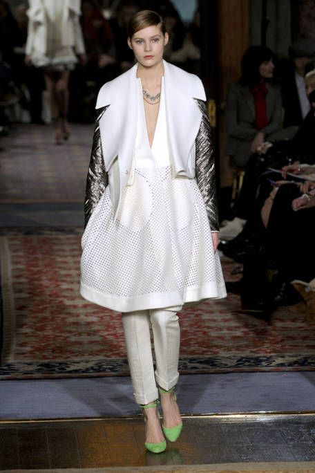 ANTONIO BERARDI FALL RTW 2011 PODIUM 001